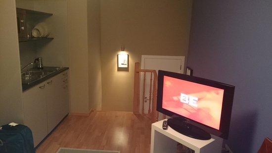 MAS Residence: Living room/kitrchen