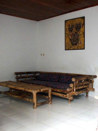 Mimpi Manis Homestay : Room 1 - The House - Living Room