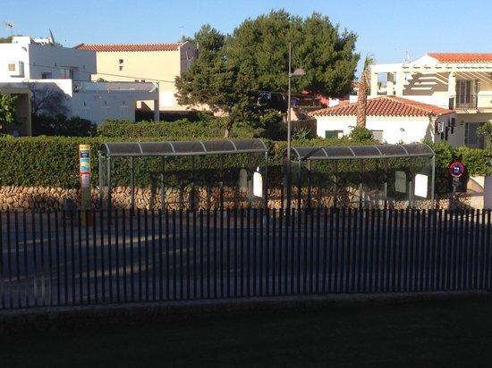 Occidental Menorca: Foto stanza lato strada della palazzina 8