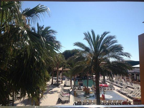 Occidental Menorca: 2102 lato piscina