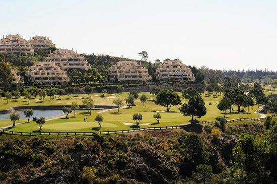 Colina del Paraiso by CheckIN: Nearby golf course