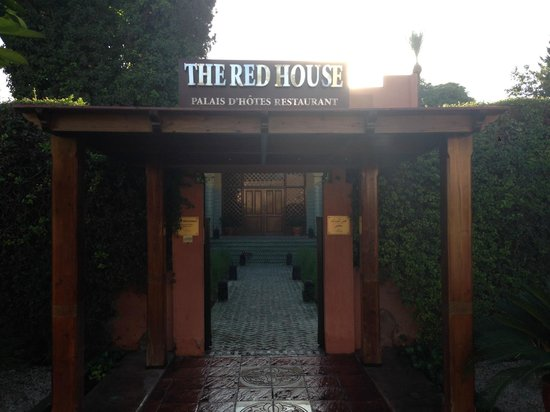 The Red House: entrée