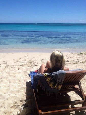 Blue Lagoon Beach Resort: The beautiful beach