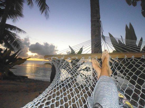 Blue Lagoon Beach Resort: Sunset from the hammock