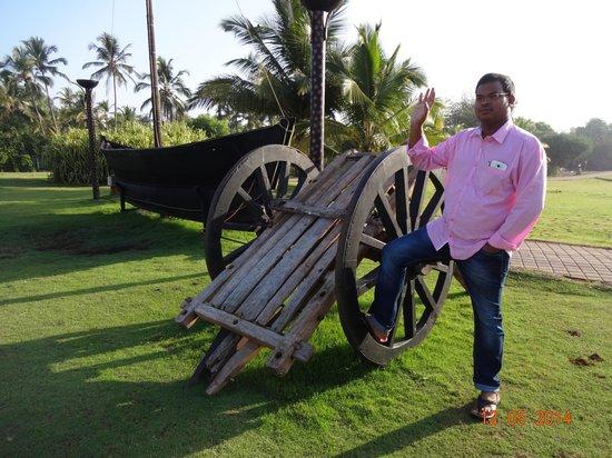 Holiday Inn Resort Goa: beach