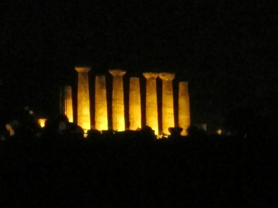 Valley of the Temples (Valle dei Templi): Great night views
