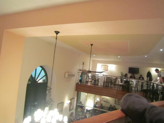 Bajamonti : 2階フロア