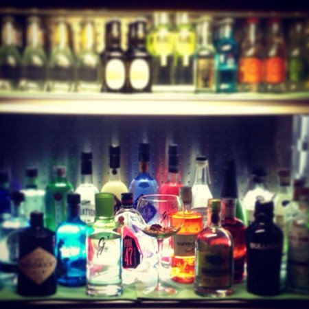 ALIOLI: BEST PLACES TO GET A GIN & TONIC !!!