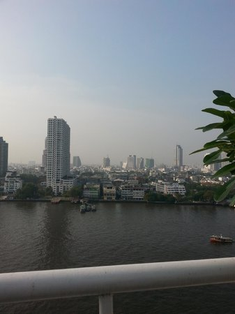 Ramada Plaza Bangkok Menam Riverside : amazing view from balcony