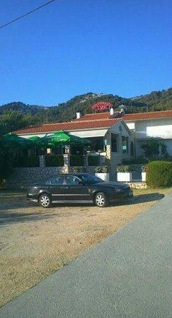 Restaurant IVA: Schönes Restaurant in schöner Lage