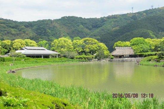 Nanrakuen Garden : 池が広大