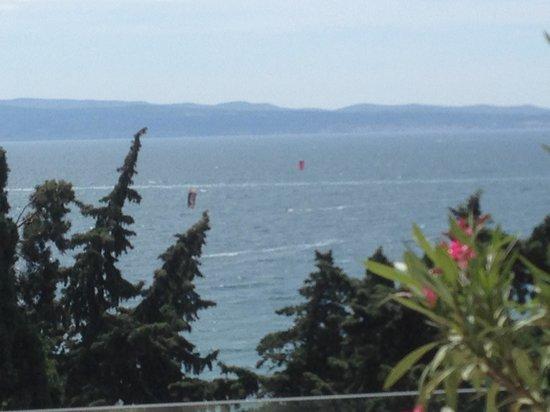 Radisson Blu Resort Split: Vista mare dal piano SPA e Kitesurfers