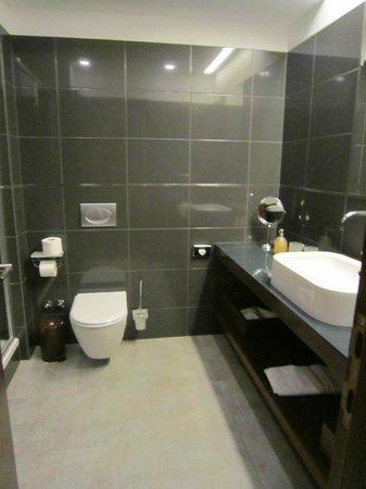 Hotel Marmont: バスルーム