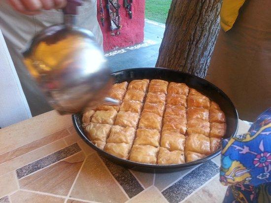 Erenler Sofrasi : Home made baklava, Ev yapımı baklava