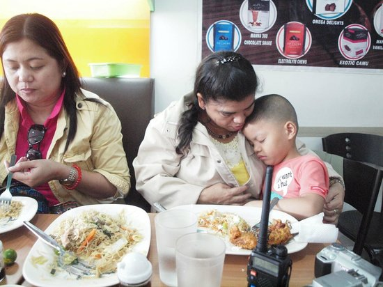 Tea House Restaurant and Bakeshop: Friendly service