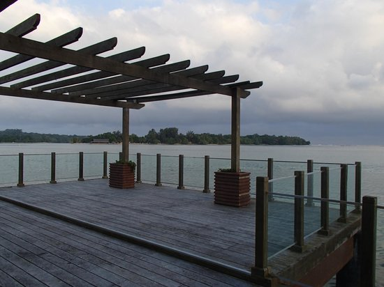 Warwick Le Lagon Resort & Spa, Vanuatu : The overwater decking