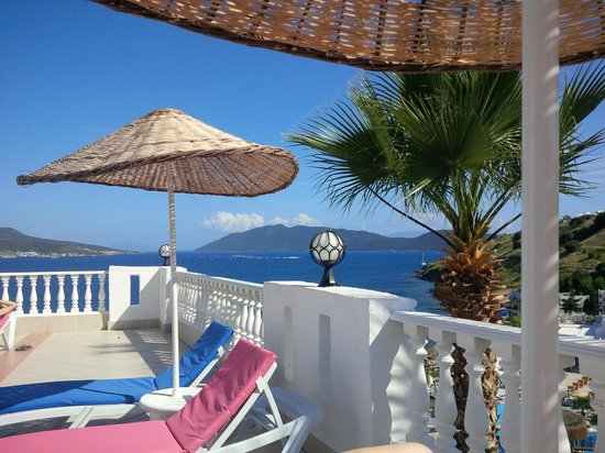 Dolce Bodrum Hotel and Beach club: View from pool