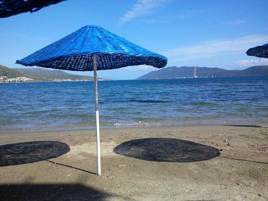 Dolce Bodrum Hotel and Beach club: Beach