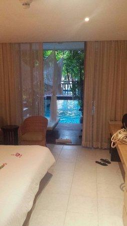 Burasari Resort: Room 3107 pool access