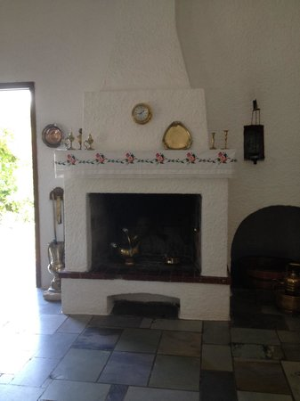 Vagia Hotel: the fireplace