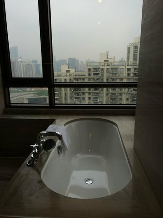 THE ONE Executive Suites managed by Kempinski-Shanghai: ванная комната