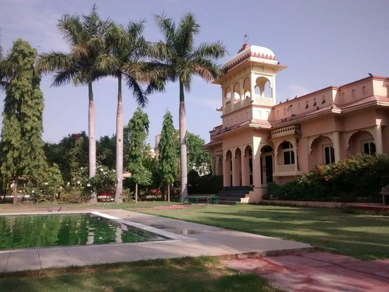 juSTa Rajputana, Udaipur Resort: At pool side 1