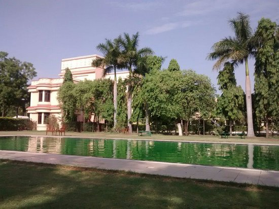 juSTa Rajputana, Udaipur Resort: @ pool side 2