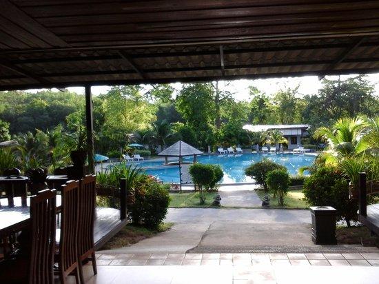 Nakakiri Resort & Spa: vue piscine