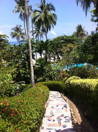 Sea View Resort & Spa Koh Chang : trappa ner till stranden från Bungalown
