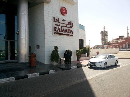 Ramada Chelsea Al Barsha : porch