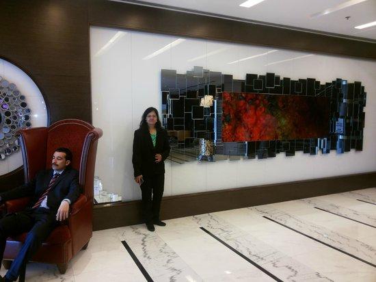 Ramada Chelsea Al Barsha : reception area