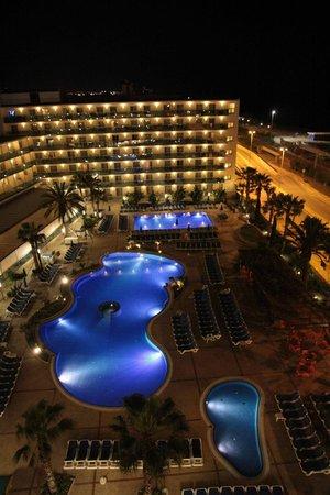 Golden Taurus Park Resort: Golden Taurus de nuit