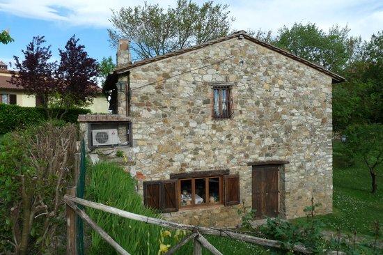 Hotel Colle Etrusco Salivolpi: Nebengebäude und Frühstücksraum
