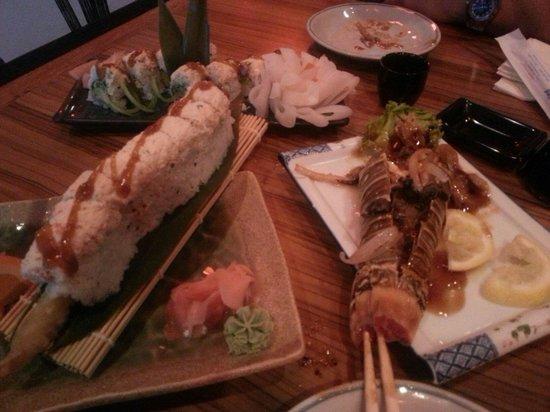 Spring Moon: Crab, shrimp, avacado roll