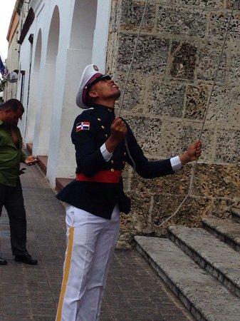 Hotel Riu Palace Punta Cana: Nations capital Santa Domingo ceremonies guard sorting the flag out