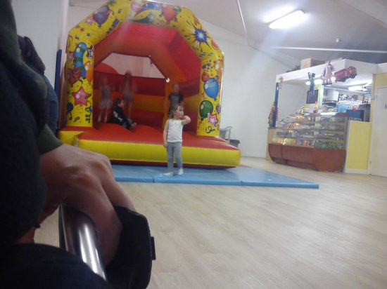 Hullabaloo Soft Play Centre: bouncy castle