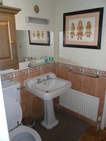 The Harrogate Brasserie Hotel: Lovely bathroom