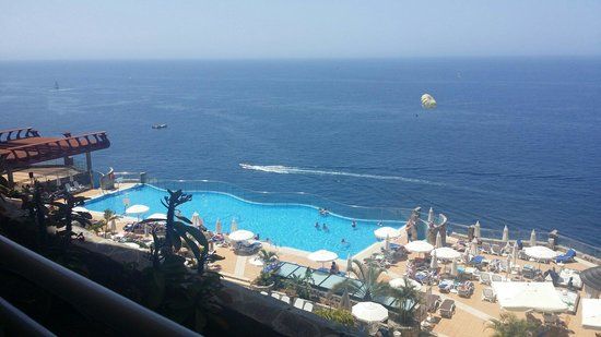 Gloria Palace Amadores Thalasso & Hotel : View from block 2 room 2505. Perfect!