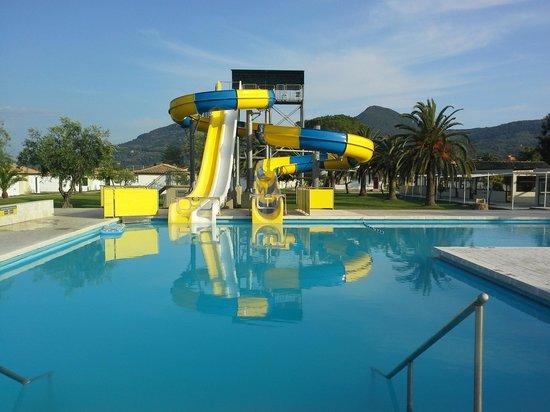Messonghi Beach Resort : vue hotel