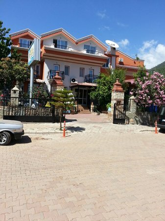 Magic Tulip Oludeniz: Hotel main entrance