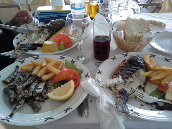 Messonghi Beach Resort: restaurant sur kassiopi