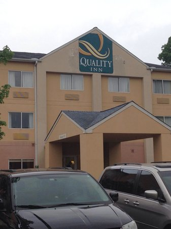 Quality Inn & Suites Birmingham Highway 280 : New name!!
