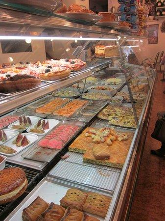 Belliard: Strudel, cake, pizza and more