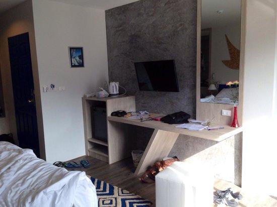 The Blue Pearl Kata Hotel: Habitación