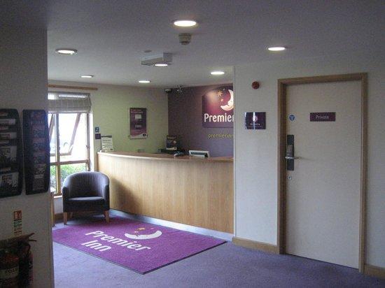 Premier Inn Carrickfergus Hotel: Reception