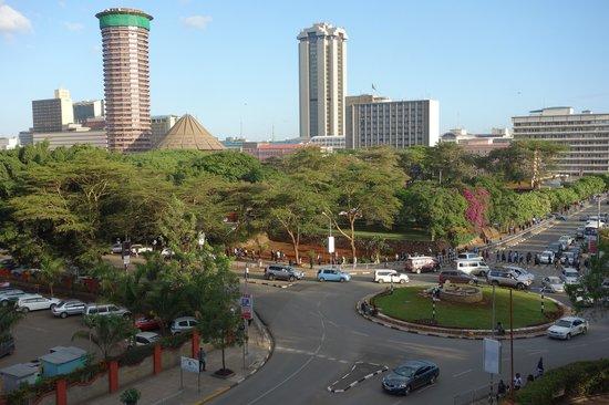 InterContinental Nairobi: ケニヤッタコンフェレンスセンターが見える