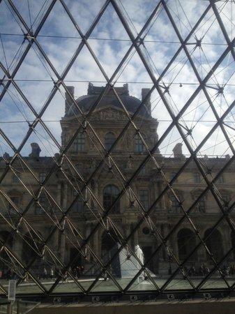 Musée du Louvre : Vista dalla Piramide