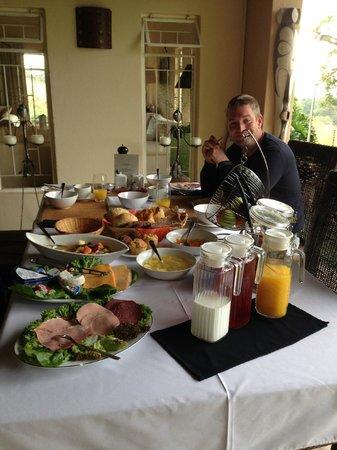 Abangane Guest Lodge: Breakfast 2