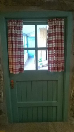 Grove House and Courtyard Cottages: front door.. realy cottage feel!
