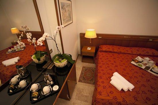 Augustus Hotel: CAMERA MATRIMONIALE